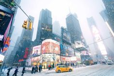 21 things that will happen to you while Christmas shopping in NYC   Time Out New York