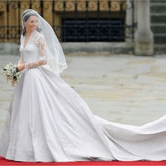 Kate Middleton arrives at Westminster Abbey for her wedding to the Duke of Cambridge