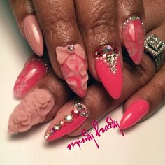 Mindy Hardy HotnailartPro @mindyhardy. Pink bow rose nailart almond nails