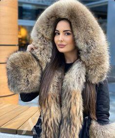 Parka Style, Fox Fur Coat, Cute Jackets, Fur Fashion, Fur Collars, Fur Jacket, Mantel, How To Wear, Women