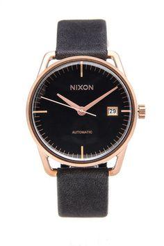 Smart Nixon rose gold watch