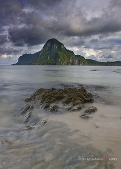 El Nido is branded as a luxurious place presumably by many because of high end resorts like Lagen and Miniloc. We are here to prove to you that El Nido caters not only for luxurious travelers El Nido Palawan, Travel Blog, Philippines, Amazing, Places, Water, Outdoor, Gripe Water, Outdoors