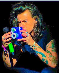 Harry Styles Pictures, One Direction Pictures, Hippie Music, Indie Photography, Harry 1d, Harry Styles Wallpaper, Indie Room, Louis And Harry, The Fab Four