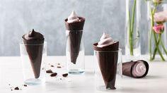 Ciepłe lody malinowe w czekoladowym wafelku  - poznaj najlepszy przepis. ⭐ Sprawdź składniki i instrukcje na KuchniaLidla.pl!