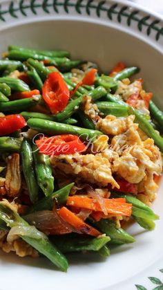 Kacang Panjang Goreng Dengan Telur Kinds Of Vegetables, Indonesian Food, Health Recipes, Vegetable Dishes, Chinese Food, Japchae, Vegetarian Recipes, Menu, Korean