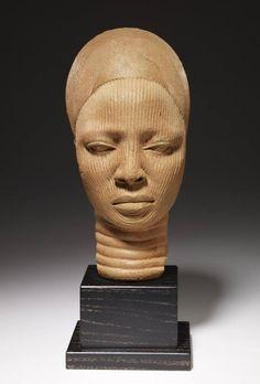 Cabeza sagrada, siglo XII al XIV, cultura Yoruba, Nigeria. Terracota, 31.1 x 14.6 x 18.4 cm, Minneapolis Museum of Art, EE. UU.