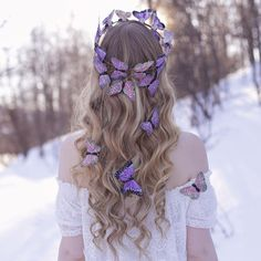 15 Wedding Hair Styles To Look Gorgeous , These fabulous wedding hair styles were picked to give you an idea of today's trends. Check out our photo gallery as well as some practical pieces of . Pretty Hairstyles, Wedding Hairstyles, Bridesmaid Hairstyles, Crazy Hair Days, Quinceanera Hairstyles, Butterfly Hair, Looking Gorgeous, Gorgeous Hair, Hair Jewelry