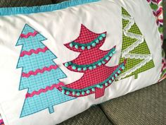 Christmas Pillow tutorial from Jedi Craft Girl