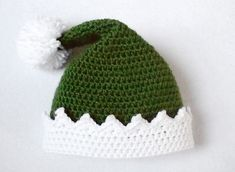 Dress your little holiday helper up in the adorable Little Helper Crochet Elf Hat. This easy crochet hat pattern is worked in the round in the half double crochet stitch, making it a fast project to complete. Crochet Santa Hat, Sombrero A Crochet, Crochet Christmas Hats, Crochet Beanie Hat, Holiday Crochet, Knit Crochet, Crochet Stitch, Double Crochet, Christmas Elf