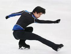 全日本選手権開幕を翌日に控え、練習する羽生結弦=25日、長野市のビッグハット ▼25Dec2014時事通信|一年納めの大舞台=羽生、存在感示すか-全日本フィギュア http://www.jiji.com/jc/zc?k=201412/2014122500772 #Yuzuru_Hanyu #Big_Hat_Nagano #Japan_Figure_Skating_Championships_2014 ◆Japan Figure Skating Championships - Wikipedia http://en.wikipedia.org/wiki/Japan_Figure_Skating_Championships