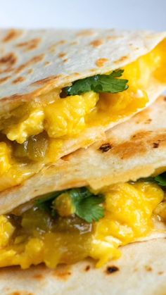 Breakfast quesadillas with soft scrambled eggs, green chiles, melted cheese and herbs. Ww Recipes, Brunch Recipes, Mexican Food Recipes, Breakfast Recipes, Breakfast Ideas, Vegetarian Breakfast, Breakfast Bake, Cauliflower Dishes, Veggie Dishes