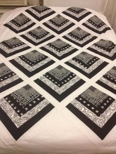 The Beyondness of Things: Black & White Quarter Log Cabin Quilt