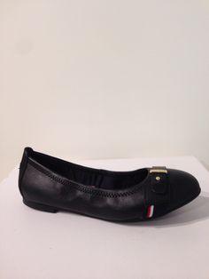 Bailarina en cuir negre de Tommy Hilfiger: 99,90€