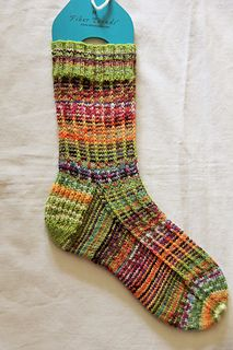 Dorothy's Slip Stitch Spiral Knit Socks (2 color)