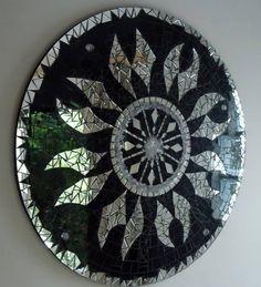 Mandala para Decoração Mandala em Mosaico de Vidro, Espelho e Pedras. Produto para uso em Ambiente Interno. R$ 320,00
