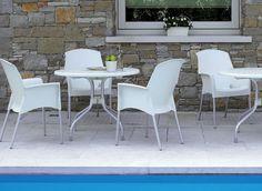 Ideal para hoteles, oficina, hogar y restaurantes: JENNY by UPPER PANAMA  Asiento y respaldo de polipropileno Patas de aluminio anodizado Ø 25 mm Disponible en diferentes colores Apilable Para uso en interiores / exteriores.
