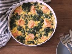 Carb Free Recipes, Healthy Diet Recipes, Healthy Cooking, Great Recipes, Dinner Recipes, Healthy Food, Omelette, Salmon Frittata, Frittata Oven