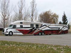 Custom Semi Trucks | Customized Coach 18 Exterior Pictures