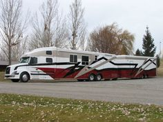 Custom Semi Trucks | Customized Coach 18 Exterior Pictures | Recreational Vehicle #RV