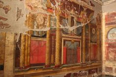Triclinium of the Villa di Poppea, Oplonti 'Ancient mural wall art that is beautifully detailed in color to this day. Machu Picchu, Cool Works, Pompeii And Herculaneum, Villa, Mural Wall Art, Murals, Photo Mural, Roman Art, Ancient Artifacts