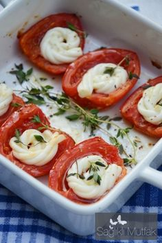 fırında peynirli domates Caprese Salad, Lunch, Breakfast, Food, Protein, Drink, Morning Coffee, Beverage, Eat Lunch