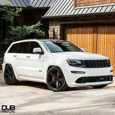 Tint and rims Srt8 Jeep, Jeep 4x4, Jeep Truck, Us Cars, Sport Cars, Jeep Grand Cherokee Srt, Muscle Cars, Car Goals, Chrysler Jeep