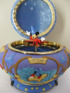 Disney Mickey Mouse Fantasia The Sorcerer's Apprentice Music Trinket Jewelry Box. - Disney Mickey Mouse Fantasia The Sorcerer's Apprentice Music Trinket Jewelry Box