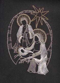 paličkovaná krajka podvinky - Recherche Google Fabric Stiffener, Types Of Lace, Bobbin Lace Patterns, Christmas Nativity Scene, Hairpin Lace, Nativity Crafts, Ideias Diy, Clothespin Dolls, Lacemaking