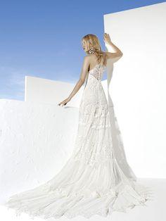 Yolan Cris Boho Wedding Dress for Your Chic Wedding Ceremony - Be Modish - Be Modish
