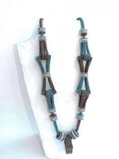 Seed Bead Necklace, Seed Bead Jewelry, Bead Jewellery, Diy Necklace, Necklace Designs, Necklaces, Handmade Beaded Jewelry, Beaded Jewelry Patterns, Diy Jewelry