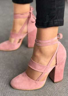 How to Wear Block Heels / Bubblegum pink strappy suede chunky heels