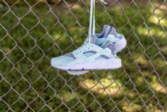 NIKE WOMENS AIR HUARACHE RUN IGLOO WOLF GREY WHITE MINT 634835 303 Nike Air Huarache, Huaraches, Grey And White, Nike Women, Wolf, Mint, Sneakers Nike, Running, Fashion