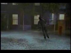 Kurt Browning skating to Singin' In The Rain. OMG SO BRILLIANT I LOVE THIS.