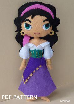 PDF pattern to make a dolls inspired in Esmeralda.
