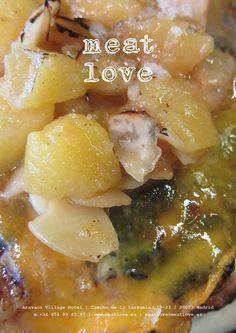 meat love | déjate sorprender por nuestra hamburguesa de pollo de corral con manzana granny smith, romero y almendra tostada… ¡espectacular!