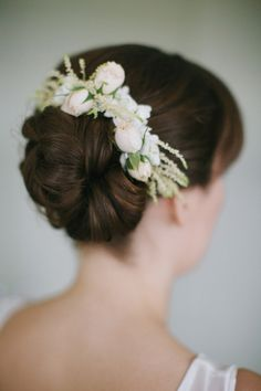 bridal hair, photo by Lara Kimmerer http://ruffledblog.com/fall-wedding-in-a-massachusetts-art-gallery #bridalhair #weddinghair