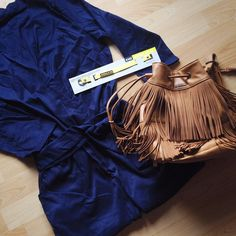 @improvingtheangel apuesta por un outfit con este #bolso Bissú modelo #Camel, tipo bombonera con flecos. ¿No es genial?  #fashionblogger #fashiondiaries #spanishblogger #style #insragramer #bcnblogger #whatiwore #todayiamwearing #iamblogger #boho #estilo #moda #instafashion #instagood #fashion #fashionstyle #improvingtheangel