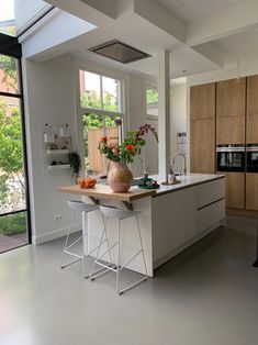 Kitchen Rules, Kitchen Redo, Kitchen Island, Kitchen Design, Kitchen Ideas, Breakfast Bar Kitchen, Interior Design Inspiration, Home Renovation, Home Kitchens