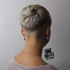 Gallery Of The Best Short Hairstyles For Women - The best 3 short hairstyles for women are below! You think about getting a nice short haircut? Let us convince you of the most beautiful hairstyles Nice Short Haircuts, Short Shaved Hairstyles, Undercut Hairstyles Women, Pixie Hairstyles, Short Hairstyles For Women, Girl Haircuts, Super Short Hair, Short Grey Hair, Short Hair Cuts