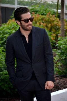Welcome to your source for everything related to Academy Award nominee Jake Gyllenhaal best known for his work in Donnie Darko, Brokeback Mountain, Nightcrawler & Southpaw. Jake Gyllenhaal, Colin Firth, James Mcavoy, Matthew Gray Gubler, Ryan Gosling, Michael Fassbender, All Black Fashion, Well Dressed Men, Celebs