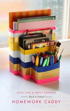¿No tienes espacio para ubicar una estación de tareas? Fabrica una fácil de transportar.   37 Consejos de organización locamente inteligentes que simplificarán la vida de tu familia