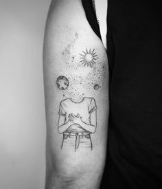 Fine Line Tattoo By Jessica Joy. Jessica Joy is one of the most popular artists in modern tattoo art. She has developed drawings on minimal. Time Tattoos, Body Art Tattoos, Tattoos For Guys, Tattoos For Women, Tattoo Art, Joy Tattoo, Tatoos, Line Work Tattoo, Fine Line Tattoos