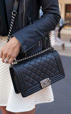 $4700 - Old Medium - CHANEL BOY BAG Black - caviar (sparkle) or lambskin