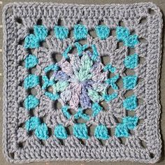Ravelry: Project Gallery for Granny Square 10 pattern by Carole Prior