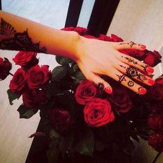 Tattoo Like Chic Style Mehndi Design