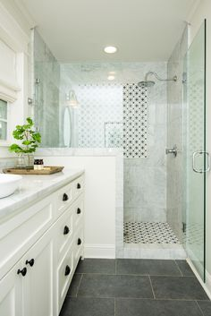 Bathroom decor for the bathroom remodel. Learn master bathroom organization, bathroom decor some ideas, master bathroom tile suggestions, master bathroom paint colors, and much more. Bathroom Renos, Diy Bathroom Decor, Bathroom Layout, Bathroom Renovations, Bathroom Interior, Bathroom Organization, Master Bathrooms, Bathroom Cabinets, Bathroom Mirrors