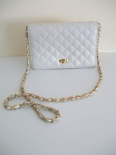 vintage leather walborg quilted hand bag small off-white/light cream colored handbag with long gold strap chain 60's purse looks like chanel hollywood glam regency