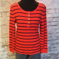 SZ LG GAP THERMAL STYLE TOP Vibrant orange and navy.. This will be a go to piece for comfort and style. Gently used GAP Tops Tees - Long Sleeve