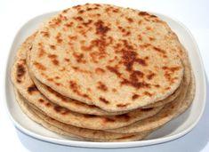 KULCHA - Painite indiene tip lipii, cu Iaurt Indian Food Recipes, Ethnic Recipes, Naan, Bread Recipes, Delicious Desserts, Breakfast, Tips, Indiana, Tortillas
