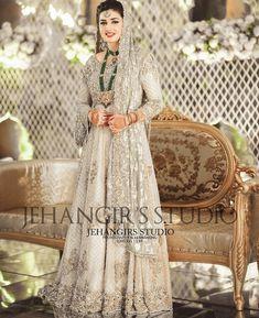 Afshii majid Asian Bridal Dresses, Bridal Mehndi Dresses, Walima Dress, Shadi Dresses, Pakistani Wedding Outfits, Bridal Dress Design, Pakistani Bridal Dresses, Bridal Outfits, Pakistani Wedding Dresses